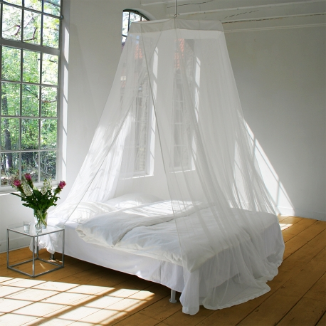 Large mosquito net